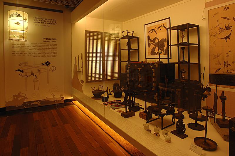 필룩스 조명 박물관